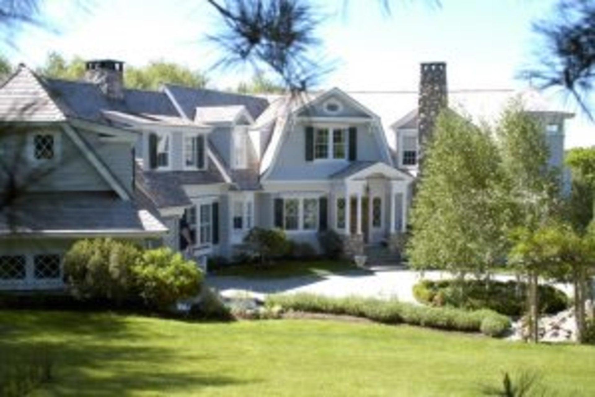 Shingle-style custom home Wilton, CT